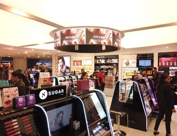 Asthetically Designed Cylindrical LED Videowall for Lifestyle Stores